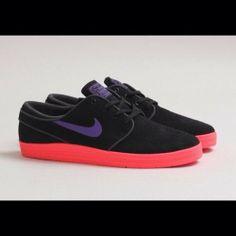 Nike SB Lunar Stefan Janoski! Color Black , Hyper Grape , Laser Crimson