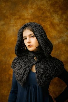 Gothic hooded shrug (great shape, but to make in MUCH thinner yarn). Crochet Scarves, Crochet Shawl, Crochet Clothes, Knit Crochet, Crochet Hood, Knit Shrug, Knitting Projects, Crochet Projects, Crochet Capas