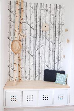 Selbst gebaute neue Garderobe mit Birkenstämmen - Gingered Things