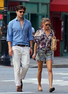 Johannes Huebl and Olivia Palermo. These 2 have great style. Estilo Olivia Palermo, Olivia Palermo Lookbook, Johannes Huebl, Outfit Elegantes, Stylish Couple, Fashion Couple, Style Fashion, Street Chic, Denim Shirt