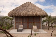 El arquitecto japonés Tadao Ando, diseñó en Puerto Escondido, las instalaciones de la Fundación Casa Wabi, un proyecto que busca fomentar el intercambio de ideas entre artistas de diferentes especialidades, tanto nacionales como internacionales.