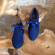 Sapato estilo carneira azul escuro Flat Shoes, Keds, Moccasins, Flats, Sneakers, Fashion, Dark Blue, Shoes, Style