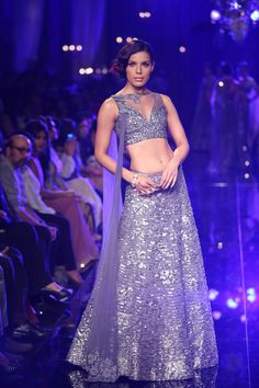 Checkout the amazing Lakmé Absolute Salon Grand Finale by Manish Malhotra at Lakme Fashion Week 2014! #lakmefashionweek #JabongLFW