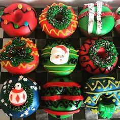 Christmas Donuts, Christmas Treats, Christmas Baking, Winter Wonderland Christmas, Christmas Mood, All Things Christmas, Christmas Decorations For The Home, Christmas Aesthetic, Xmas Food