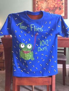 BEST 100 DAYS OF SCHOOL SHIRT IDEAS I don't know about you guys but the day of school sneaks up on me every year and before I know it my kids need a t-shirt with 100 things stuck to it.