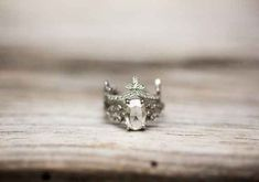 . Antique Wedding Rings, Vintage Rings, Vintage Jewelry, Do It Yourself Jewelry, Bridal Bracelet, Dream Ring, Diamond Are A Girls Best Friend, Bridal Accessories, Ring Designs