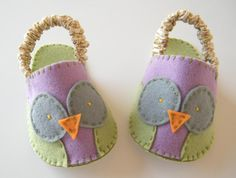 Hoot Hoot Owl Slippers (letter size) by momfetti - Craftsy