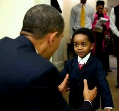 Three years ago: President Barack Obama greets a young visitor in the Oval Office, Feb. 2010 (Photo by Pete Souza) - The Obama Diary Black Presidents, Greatest Presidents, American Presidents, American History, Michelle Obama, First Black President, Mr President, Obama With Kids, Black Art