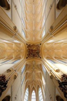 Jan Blažej Santini Aichel - The Vault of the church of The Ascension of Holy Mary in Sedlec Central Bohemia, Czechia Sacred Architecture, Holy Mary, Math Concepts, Vaulting, Eastern Europe, Pilgrimage, Czech Republic, Fresco, Baroque