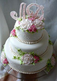 Свадебный торт с инициалами