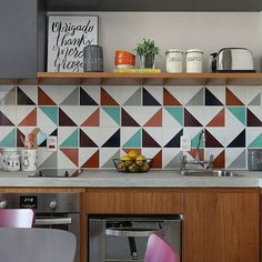 45 Beautifful And Cozy Colourfull Kitchen Ideas - Retro kitchen decor can be tricky to get right in a modern kitchen. When you design your kitchen you want to get a feel for the era that has inspired . Decor, Kitchen Interior, Interior, Kitchen Remodel, Kitchen Decor, Home Decor, Home Kitchens, Kitchen Renovation, Kitchen Design