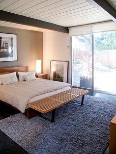 Mid-century modern bedroom in Eichler home