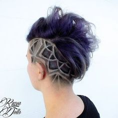 I love this, I bet it would feel good too. - New Hair Design Edgy Haircuts, Undercut Hairstyles, Trendy Hairstyles, Undercut Mohawk, Shaved Hairstyles, Wedding Hairstyles, Hair Tattoo Designs, Shaved Head Designs, Undercut Hair Designs