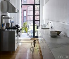 Brooklyn kitchen from Elle Decor - The New Kitchen: 5 Top Trends Remodelista Kitchen, House Design, Interior, Top Kitchen Trends, Home, New Kitchen, House Interior, Elle Decor, Brooklyn Kitchen