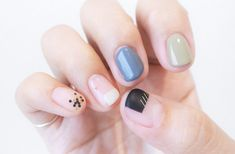 erfectly simple geometric nail designs! Love that it is made up of wire. What kind of the design do you like?