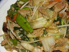 Here you will find out all about Chop Suey including videos, photos, recipes and more for Chop Suey. Be sure to check out this great information on Chop Suey. Cooking Chinese Food, Asian Cooking, Cooking Oil, Chow Mein, Chop Suey Recipe Chinese, Chinese Chop, Chinese Dinner, Beef Chop Suey, Cauliflowers