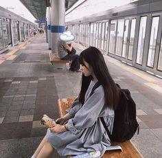 asian, girl, and ulzzang image Classy Aesthetic, Korean Aesthetic, Aesthetic Girl, Asian Fashion, Look Fashion, Girl Fashion, Ulzzang Korean Girl, Ulzzang Couple, Girl Korea