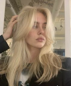 ꒰⚜꒱ 爱⁷ Hairstyles With Bangs, Pretty Hairstyles, Long Shag Hairstyles, Haircuts Straight Hair, Brunette Hairstyles, Easy Hairstyle, Cut My Hair, Hair Cuts, Wavy Hair