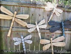 love this yard art. Dragonflies made from table legs and fan blades. have the old fans and the table legs. Fan Blade Dragonfly, Dragonfly Art, Dragonfly Garden Decor, Diy Projects To Try, Craft Projects, Project Ideas, Outdoor Projects, Outdoor Decor, Outdoor Living