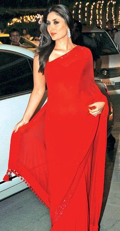 Kareena Kapoor in red hot saree #Bollywood #Fashion