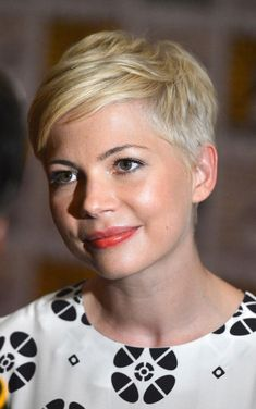 6 Hottest Short Hairstyle Trends Right Now: Michelle Williams