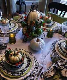 55 Elegant and stylish Black And White Thanksgiving Décor Ideas (23)