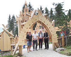 Das neue Fichtenschloss auf der Rosenalm ist offiziell eröffnet