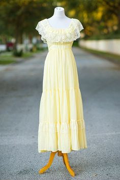 Gunne Sax dress Small pale yellow 70s peasant by xRetroKitty