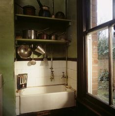 Partial view of the kitchen interior in Mr Straw's House 1920s Kitchen, Victorian Kitchen, Victorian Cottage, Old Kitchen, Vintage Kitchen, Kitchen Retro, Kitchen Interior, Interior Design Living Room, Interior Office