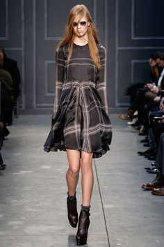Vera Wang Fall 2014 RTW - Runway Photos - Fashion Week - Runway, Fashion Shows and Collections - Vogue Fashion Week, Runway Fashion, High Fashion, Fashion Show, Fashion Design, Review Fashion, Vera Wang, Winter Trends, Fall Winter 2014