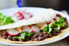 Black Bean Tacos With Spicy Cashew Cheese | 22 High-Protein Meatless Meals Under 400 Calories