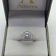 One of our customers creations!  For more information on the setting, check out style number U1701.