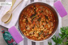 Guiso de pollo con garbanzos al pimentón: receta de cuchara Smoothie Recipes, Soup Recipes, Smoothies, Real Food Recipes, Cooking Recipes, Pollo Guisado, Chana Masala, No Cook Meals, Curry