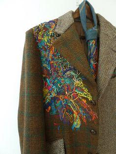 Manchester School of Art/ Textiles, veste en tweed brodée by Ayasha Wood