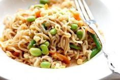 5 ways to eat Ramen for Dinner-perfect for a college student.