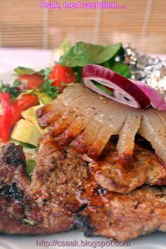 Csak, mert szeretem... kreatív gasztroblog: CIGÁNYPECSENYE FÜSTÖSEN, PARÁZSBAN SÜLT BURGONYÁVAL ÉS FRISS SALÁTÁVAL Sausage Recipes, Meat Recipes, Chicken Recipes, Cooking Recipes, Recipe For Hungarian Goulash, Hungarian Recipes, Hungarian Cuisine, Hungarian Food, Best Food Ever