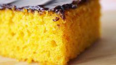 Receita de Bolo de Cenoura sem Glúten e sem Lactose: receita simples de liquidificador para você fazer um bolo de cenoura sem leite fofinho e delicioso!