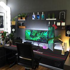 Cool Office Desk, Computer Desk Setup, Gaming Room Setup, Home Office Setup, Pc Setup, Home Office Design, Computer Desk Organization, Ikea Gaming Desk Hack, Computer Room Decor