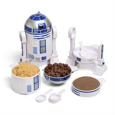 r2d2 measuring cup set. When you can't decide between a geeky kitchen and a sleek fancy one, go geek.