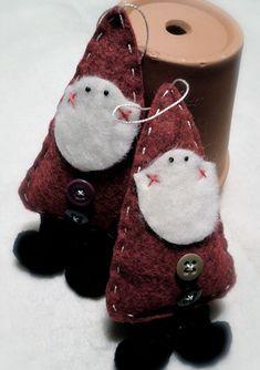 Adorable folk art Santa/ cute pin or ornament. Santa Ornaments, Christmas Ornaments To Make, Christmas Sewing, Noel Christmas, Primitive Christmas, Christmas Projects, Felt Crafts, Handmade Christmas, Holiday Crafts