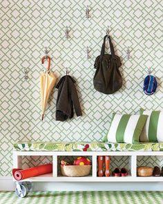 cool spaces in donosti: DIY: STORAGE BENCH / BANCO CON ALMACENAJE