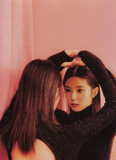 Media Tweets by irene pics (@picsofjoohyun) / Twitter Kpop Girl Groups, Korean Girl Groups, Kpop Girls, Bae, Red Velvet Irene, Velvet Fashion, Jennie Blackpink, Poses, Seulgi
