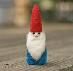 Needle Felted Gnome by scratchcraft on Etsy Christmas Gnome, Christmas Themes, Vintage Christmas, Christmas Decorations, Holiday Ideas, Gnome Ornaments, Holiday Ornaments, Cute Little Things, Felt Crafts