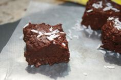 Raw Coconut Chocolate Fudge and Navitas Naturals GIVEAWAY | Lauren Kelly Nutrition