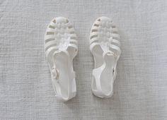 méduses blanches http://marineboutron.tumblr.com/