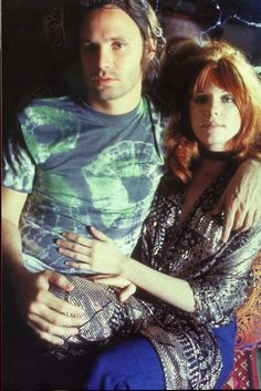 A Ship Of Fools : site francophone sur The Doors et Jim Morrison. Web site in French about The Doors and Jim Morrison. Pam Morrison, The Doors Jim Morrison, Jimmy Morrison, Morrison Hotel, Axl Rose, Iron Maiden, Pink Floyd, Pamela Courson, Psychedelic Rock