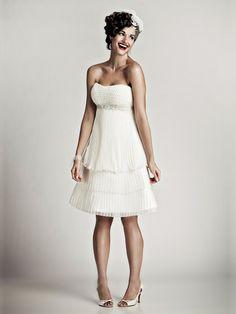 Vestido de Novia Corto Strapless tipo Imperio -- Matthew Christopher