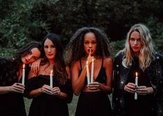 Halloween Fotos, Fete Halloween, Halloween Fashion, Halloween Pictures, Halloween Photo Shoots, Halloween Nails, Photoshoot Themes, Photoshoot Inspiration, Dark Photography