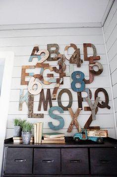 Lettres en bois créent une touche rustique moderne