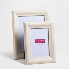 cadre effet bois couleur naturelle cadres dcoration zara home france